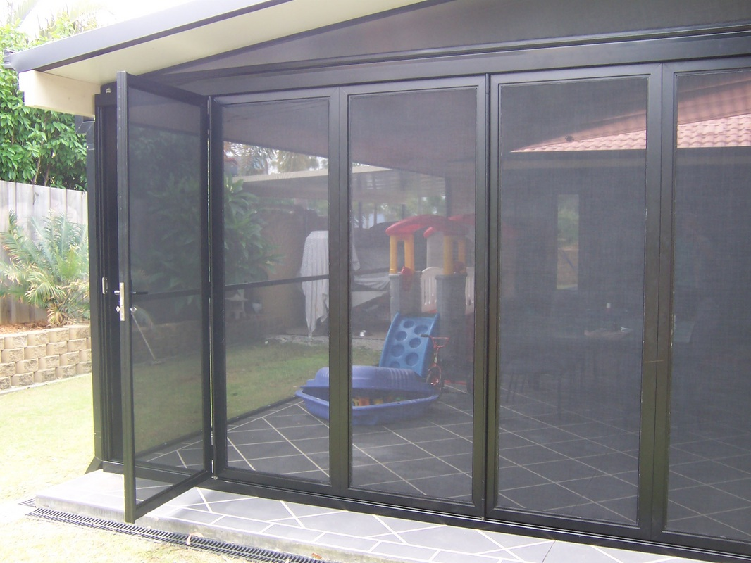 Terrific folding screen doors gallery exterior ideas 3d for Accordion retractable screen doors
